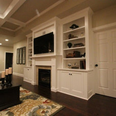 Contemporary Family Room by Aloha Home Builders