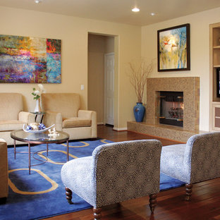 Example of a transitional family room design in San Francisco