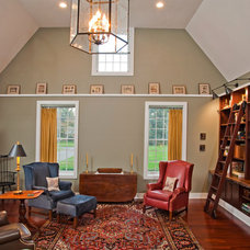 traditional family room by Jeannine Petteruti