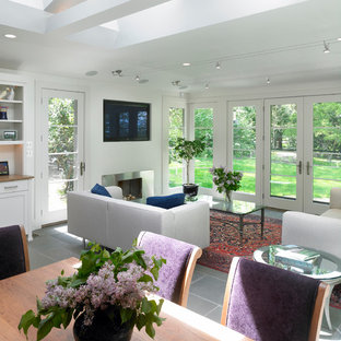 Contemporary family room addition