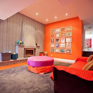 Esempio di un soggiorno contemporaneo con pavimento in sughero