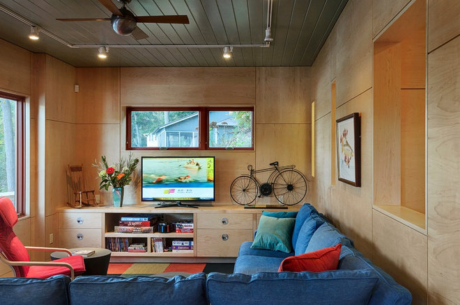 Contemporary Family Room by Smith & Vansant Architects PC