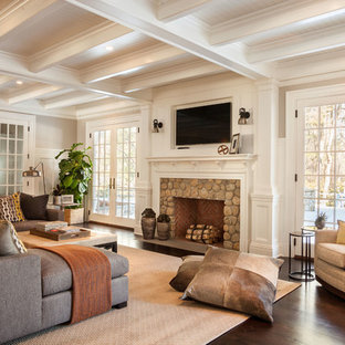 75 Beautiful Traditional Family Room Pictures & Ideas | Houzz