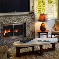 Contemporary Family Room by Erica Islas  / EMI Interior Design, Inc.