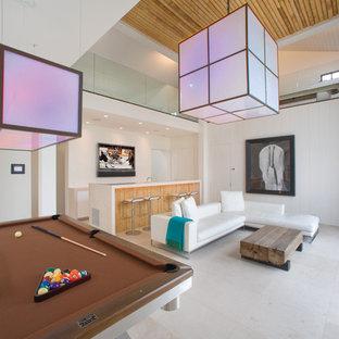 Foto de sala de estar con barra de bar contemporánea con suelo beige