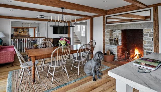 Farmhouse Family Room by PH Architects