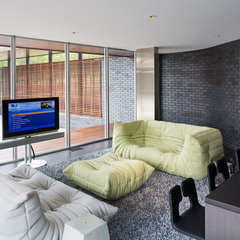 modern family room by Hufft Projects