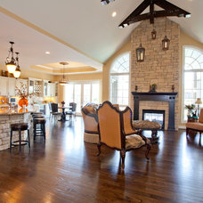 Traditional Family Room by Robert Lucke Homes