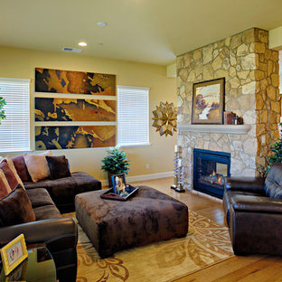 Design ideas for a rustic family and games room in San Francisco.