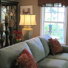 Traditional Family Room by Decorating Den Interiors - Deborah Bettcher