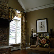 Traditional Family Room by Alfonso DiLauro