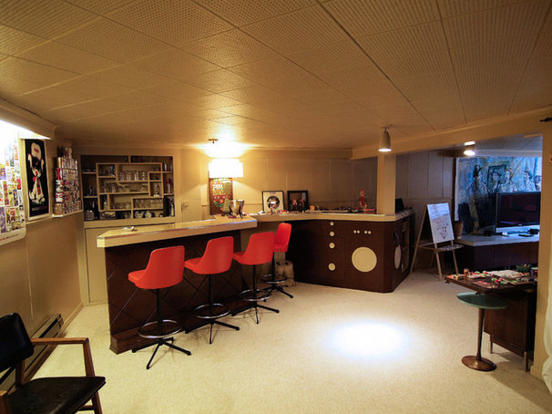 Midcentury Family Room by John Prindle
