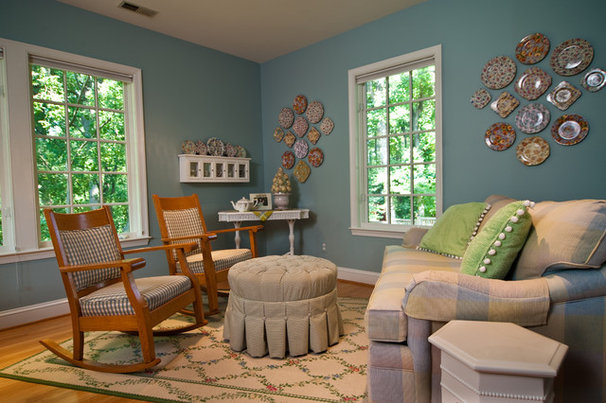 Traditional Family Room by M House Designs