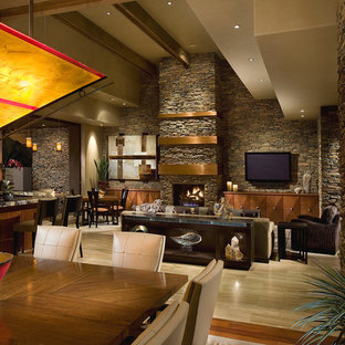 Desert Contemporary Residence: Family Room