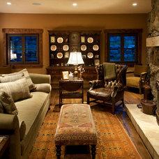 Rustic Family Room by Djuna Design Studio