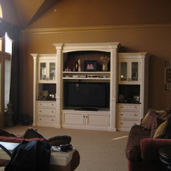 traditional family room by Diana Dyer  Diana M Dyer Design Services LLC