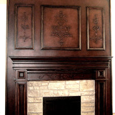 Traditional Family Room by DISTINCTIVE APPLICATIONS Kimberly Wohlfarth,Artist