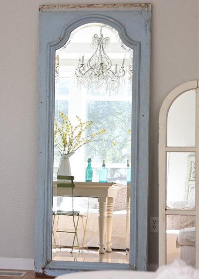 Shabby-Chic-Style Wohnzimmer by Dreamy Whites