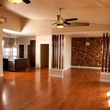 Modern Family Room by Everitt & Schilling Tile Co.