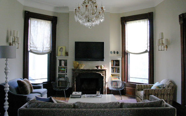 5 ways to decorate around a flat screen tv for Flat screen tv living room ideas