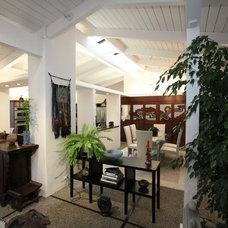 Mediterranean Family Room by Nunley Custom Homes