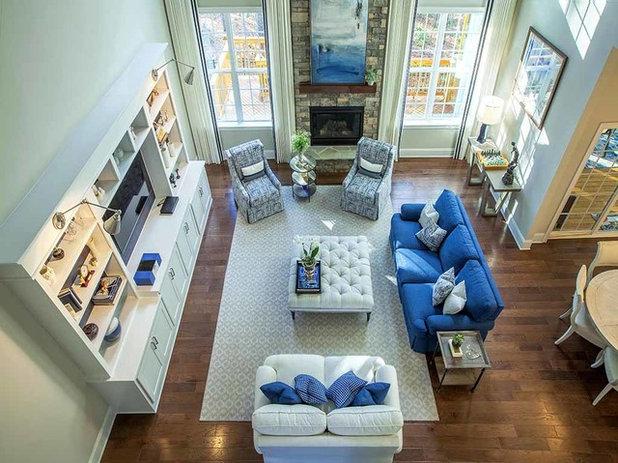 トランジショナル ファミリールーム by The Couture Haus Interior Design