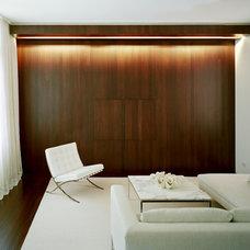 Modern Family Room by Eljin Construction