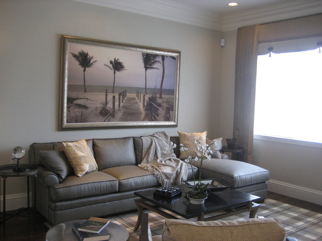 Tropical Family Room by ArtSpex