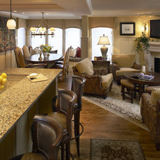 Traditional Family Room by Christine Sutphen, ASID, NCIDQ