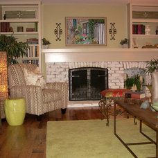 Transitional Family Room by EASYdesigns