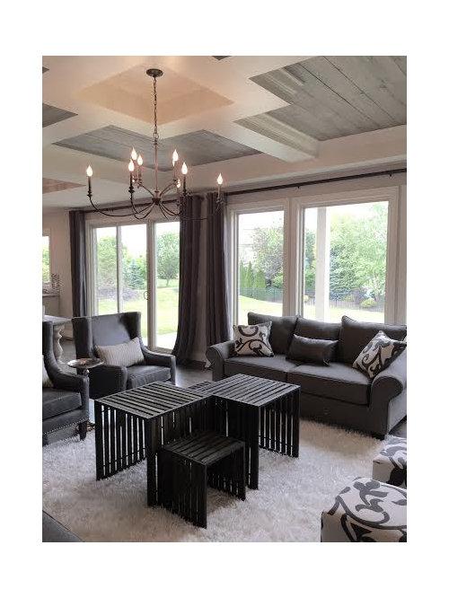 wohnzimmer mit dunklem holzboden und lila wandfarbe ideen design bilder beispiele. Black Bedroom Furniture Sets. Home Design Ideas