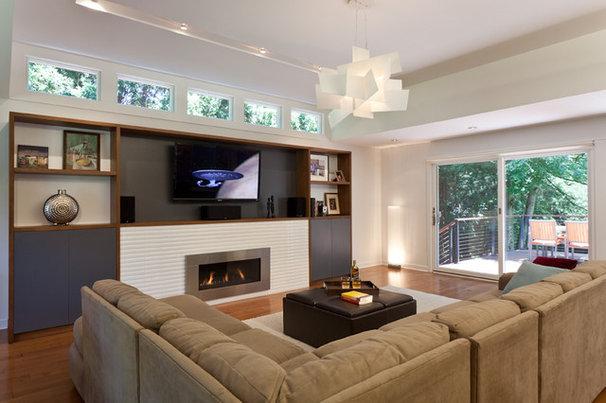 Modern Family Room by Gary Rosard Architect