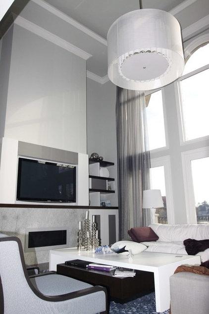 Family Room by Grainda Builders, Inc.