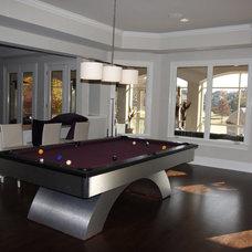 Contemporary Family Room by Grainda Builders, Inc.