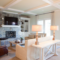 traditional family room by Jenny Baines, Jennifer Baines Interiors