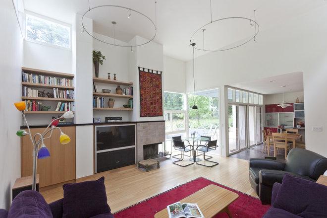 Modern Family Room by Light House Design