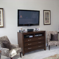 Modern Family Room by EASYdesigns