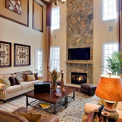traditional family room by Mark Henninger