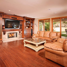 Traditional Family Room by PREFERRED HOME BUILDERS INC