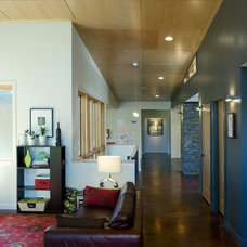 Modern Family Room by Stig Carlson Architecture