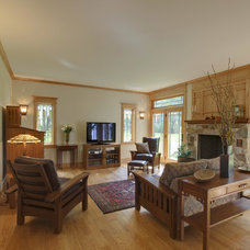 Craftsman Family Room by Ruhmel Contracting Inc