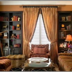 traditional family room by Tracy Murdock Allied ASID