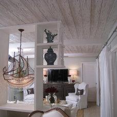 Traditional Family Room by Unique Originals, Inc.