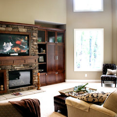 family room by Green Apple Design