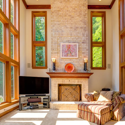 Traditional Family Room by Platinum Fine Homes & Estates