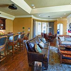 Traditional Family Room by Glendarroch Homes