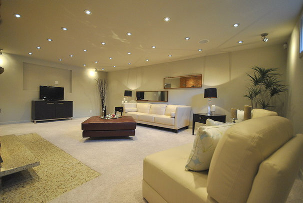 Contemporary Family Room by Revealing Assets - Home Staging Services