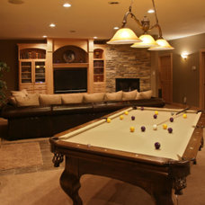 Traditional Family Room by SOUND F/X Entertainment Systems LLC