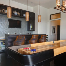 Modern Family Room by Sunscape Homes, Inc