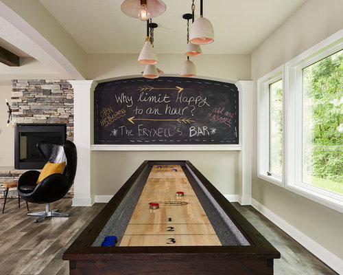 diseo de sala de juegos en casa abierta clsica renovada grande con paredes
